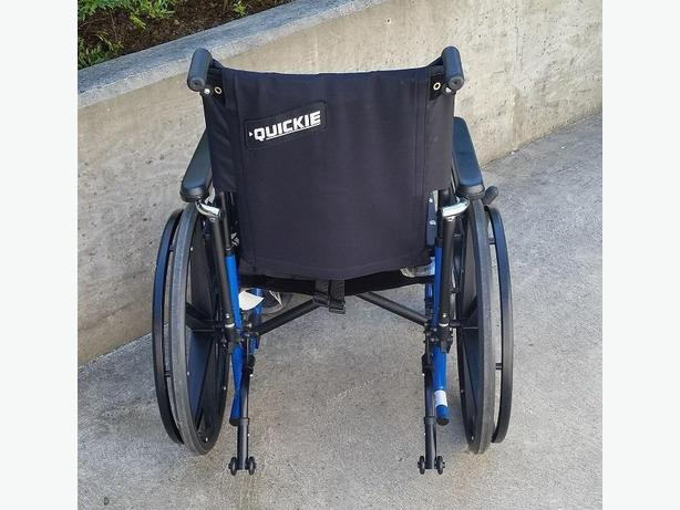 Quickie Breezy 600 Wheelchair