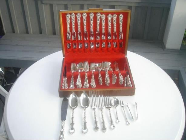 "BIRKS REGENCY PLATE ""LOUIS DE FRANCE"" SILVERPLATE FLATWARE"