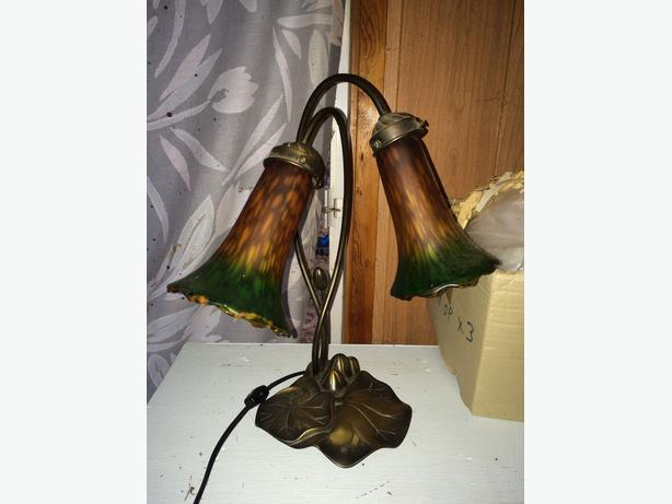 Tiffany style waxed bronze Lily Lamp