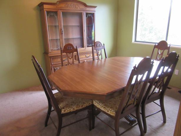 Wood Dining Room Hutch Cabinet Combination And A Pedestal Table With 6 Chairs Made In Canada By Knechtel Quality Furniture Hanover Ontario