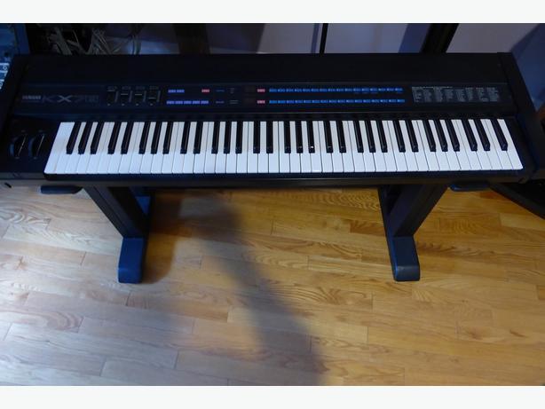 Yamaha midi controller keyboard kx76 central ottawa for Yamaha digital piano controller