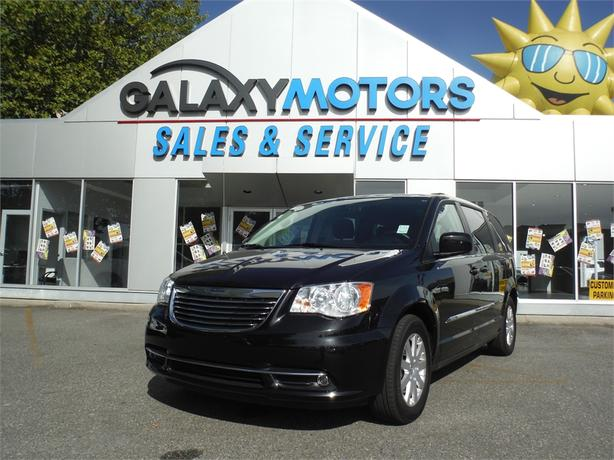 2015 Chrysler TOWN & COUNTRY Touring - Bluetooth, Backup Camera, Alloy
