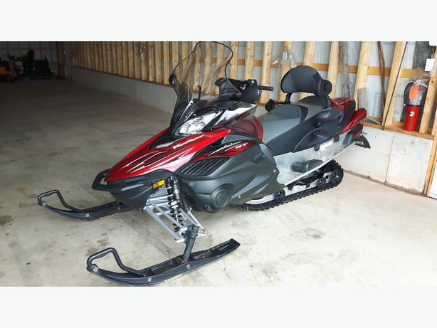 2010 Yamaha Venture GT - Excellent Condition - Financing Available