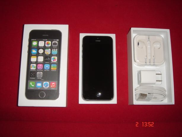 """FACTORY UNLOCKED"" iphone 5S-32GB"