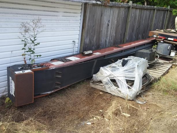 30' conveyor, hydraulics, misc.