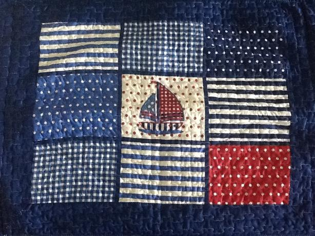 BEAUTIFUL QUILT - TWIN SIZE BED - EXCELLENT CONDITION
