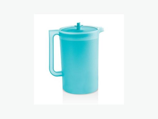 TUPPERWARE PITCHER - LIKE NEW