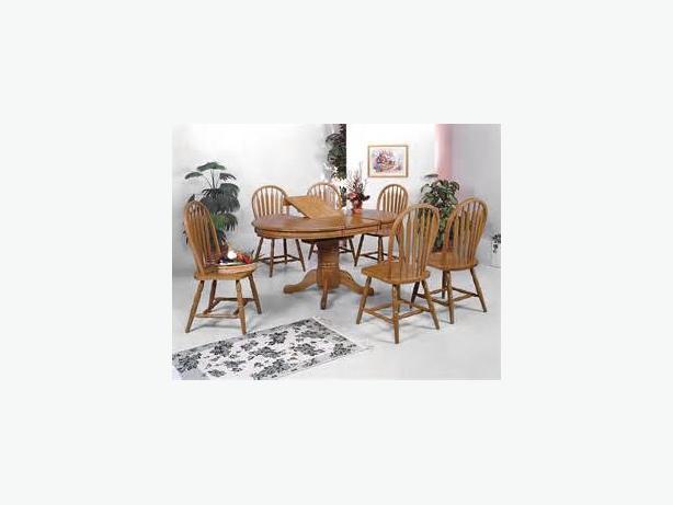 OAK TABLE & 6 SWIVEL CHAIRS