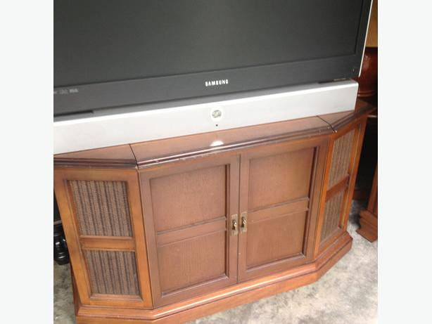 stereo cabinet with contents working