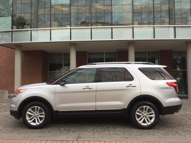 2014 ford explorer xlt 4wd on sale fully loaded no accidents victoria city victoria. Black Bedroom Furniture Sets. Home Design Ideas