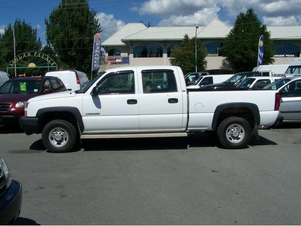 2004 Chevrolet Silverado 2500 HD CrewCab 2WD Pickup