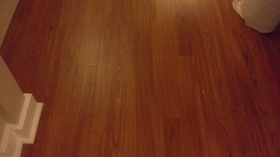 8mm laminate flooring saanich victoria for Laminate flooring waterloo