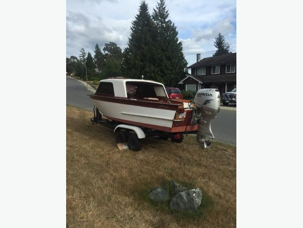 Very Rare 1963 17' Tollycraft Fishabout Hardtop