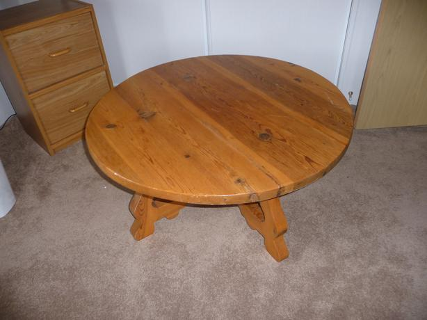 Solid Pine Round Pedestal Coffee Table Central Nanaimo Nanaimo
