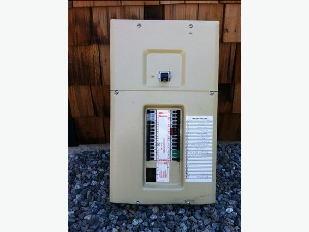 200 AMP STAB-LOK ELECTRICAL PANEL WITH BREAKERS
