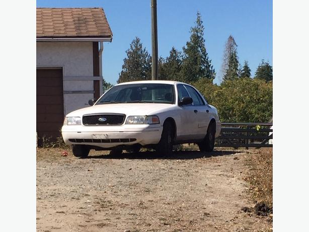 2004 crown vic police interceptor