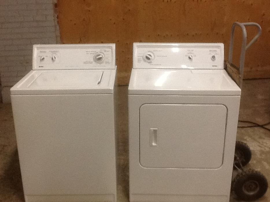 Keep up with the weekly laundry by shopping at Sears Outlet for high quality washer and dryer bundles. Find the washer and dryer combo that's right for you by checking out our large selection of washer and dryer bundles from the top rated brands including Kenmore, Amana, Maytag, and Haier.