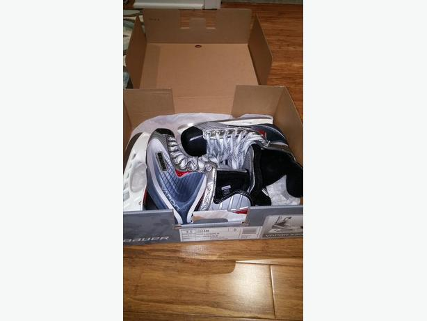 Size 3.5 Boys Bauer skates