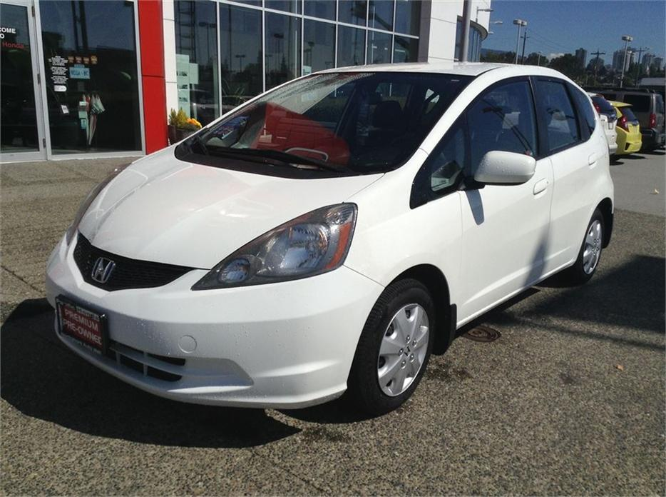 2009 Honda Fit Lx Bc Car With Air Conditioning Outside