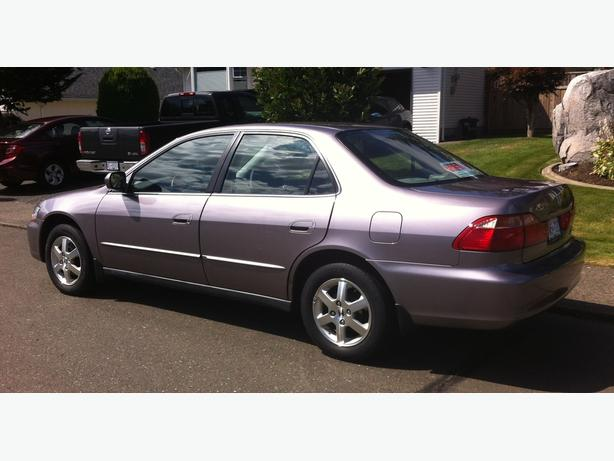 2000 HONDA ACCORD SPECIAL EDITION.