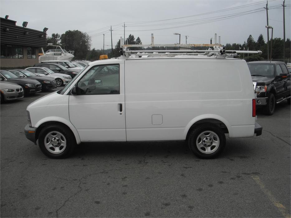 2005 chevrolet astro cargo van 2wd w ladder rack outside victoria victoria. Black Bedroom Furniture Sets. Home Design Ideas