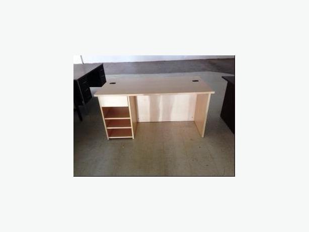 HD 5' Desks Maple Finish