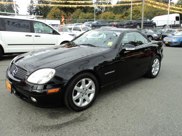 2003 mercedes benz slk 230 kompressor outside metro. Black Bedroom Furniture Sets. Home Design Ideas