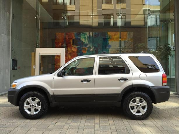 2007 Ford Escape XLT 4WD - LOCAL VEHICLE! - NO ACCIDENTS!