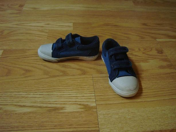 Like New Jean Fabric Toddler Runners Size 12 - $7