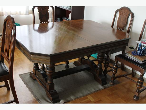 Antique Dining Table And Five Chairs Victoria City Victoria