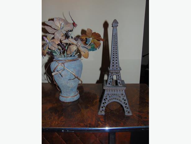PARIS EIFFEL TOWER CAST IRON CANDLE HOLDER