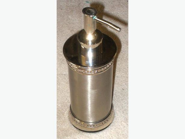 Like-New Stainless Steel Countertop Liquid Soap or Lotion Dispenser