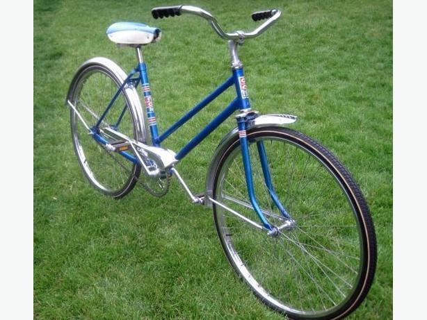 Vintage Ladies Bicycle ~ CCM Capri