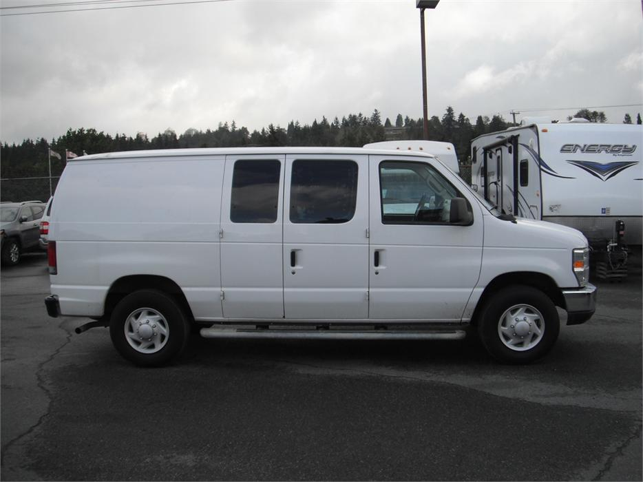 2008 ford econoline e 250 super duty cargo van outside nanaimo nanaimo mobile. Black Bedroom Furniture Sets. Home Design Ideas