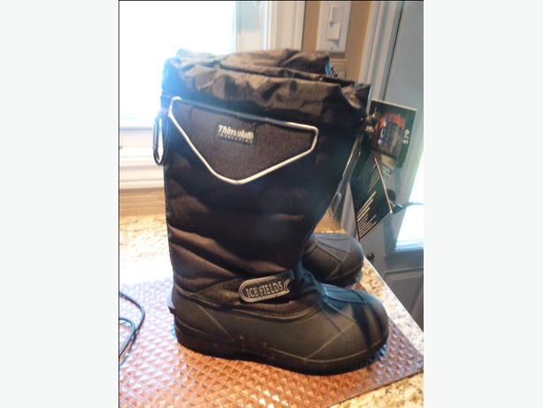 NEW Men's size 10 Ice Fields Snow boots