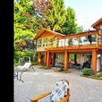 SUPER PRIVATE ESTATE ON OCEAN FRONT ACREAGE (north nanaimo)
