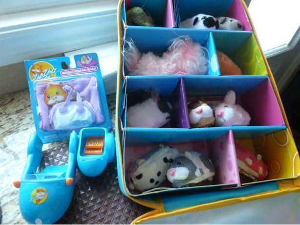 Zhu Zhu Pets Collectible Storage Case, hamsters, etc.