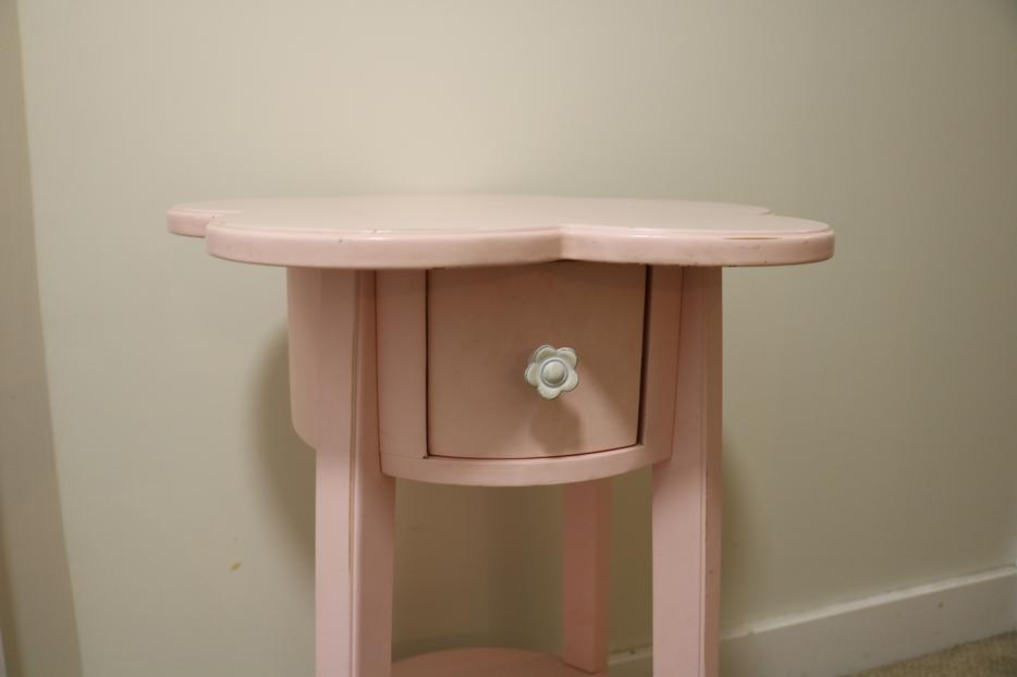 pottery barn kids girl 39 s pink night stand saanich victoria. Black Bedroom Furniture Sets. Home Design Ideas