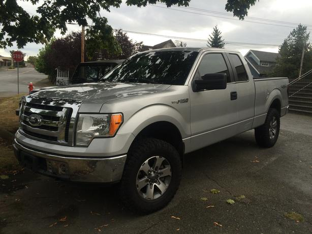 2012 F150 XLT 4X4 new brakes, clean interior, lightly used!