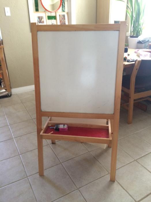ikea easel chalkboard whiteboard saanich victoria. Black Bedroom Furniture Sets. Home Design Ideas