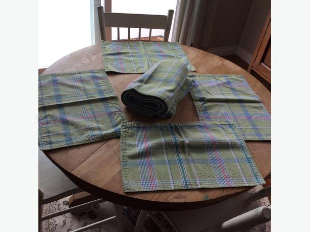 12 Cotton Plaid Placemats