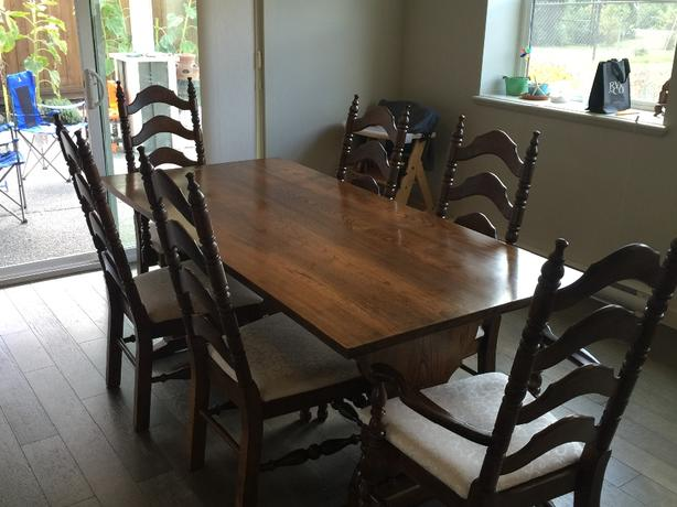 dining room table & 6 chairs REDUCED