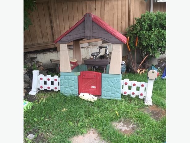 Little Tykes Garden Playhouse