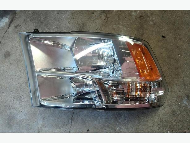 2013 Dodge Ram left head light