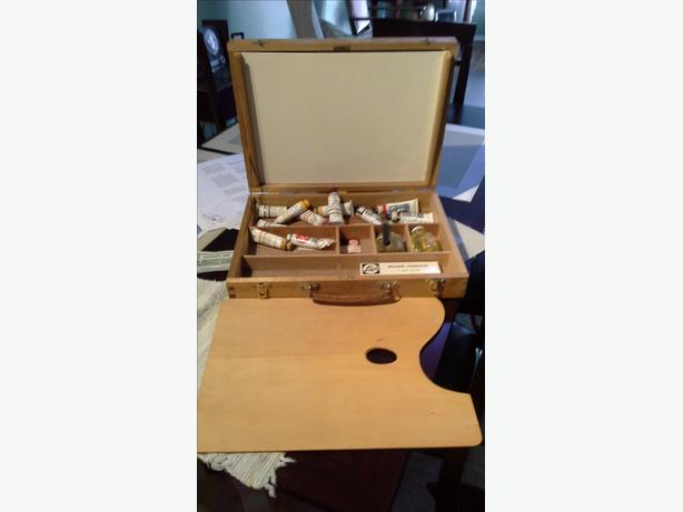 Antique wooden painters case