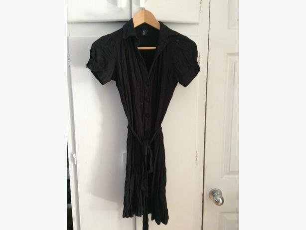 Ladies Gap fall dress (size xs) Black