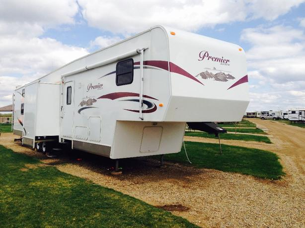 2013 Premier Fifth Wheel