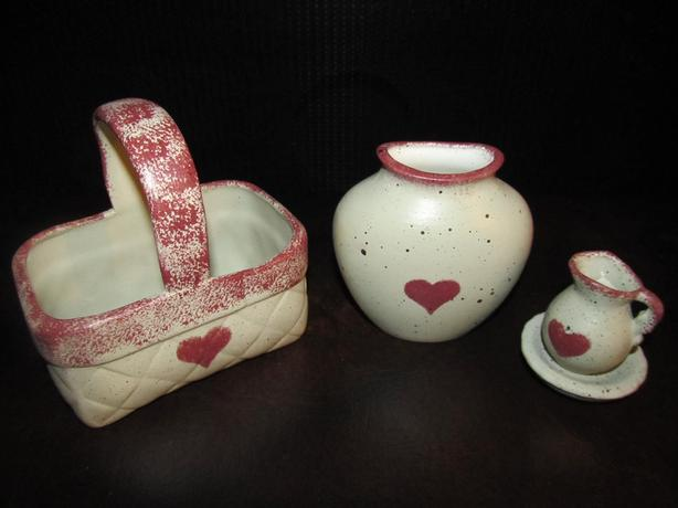 THREE PIECE MATCHING CERAMIC SET
