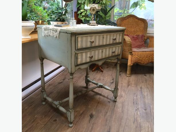 ANTIQUE SMALL BUFFET