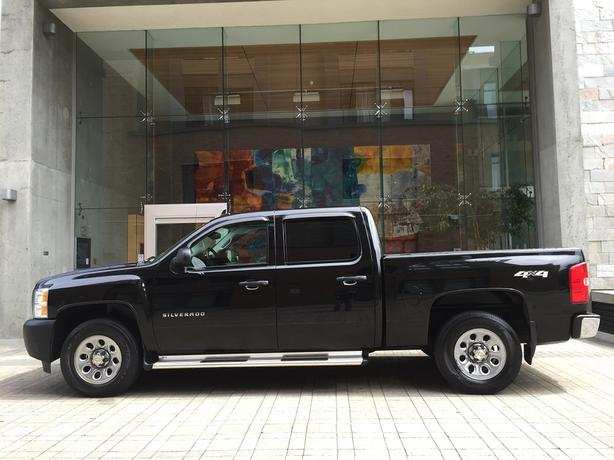 2010 Chevrolet Silverado 1500 Crew Cab 4x4 - ON SALE! - LOCAL VEHICLE!